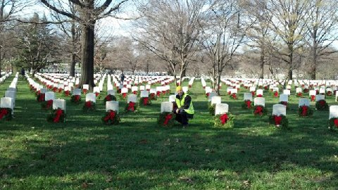 2011 Arlington Christmas Wreath Laying Ceramony